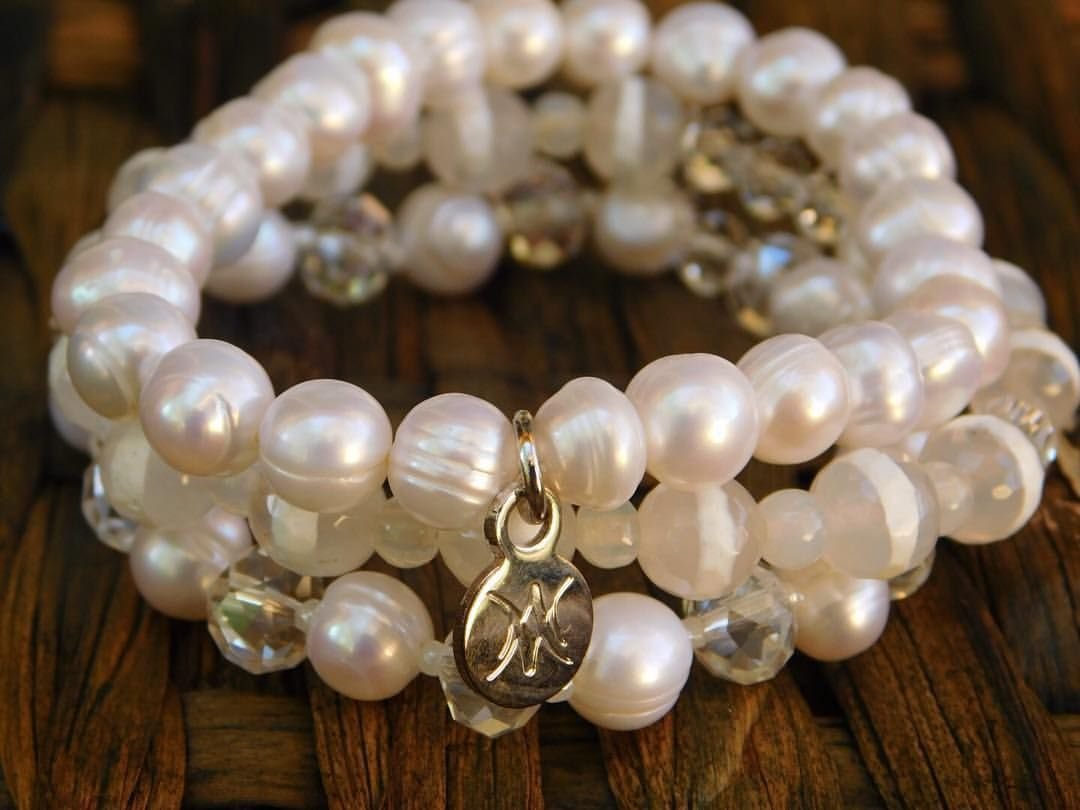 White Cotton. Gorgeous combination of white tibetan striped beads and beautiful pearls perfect for your summer outfit.