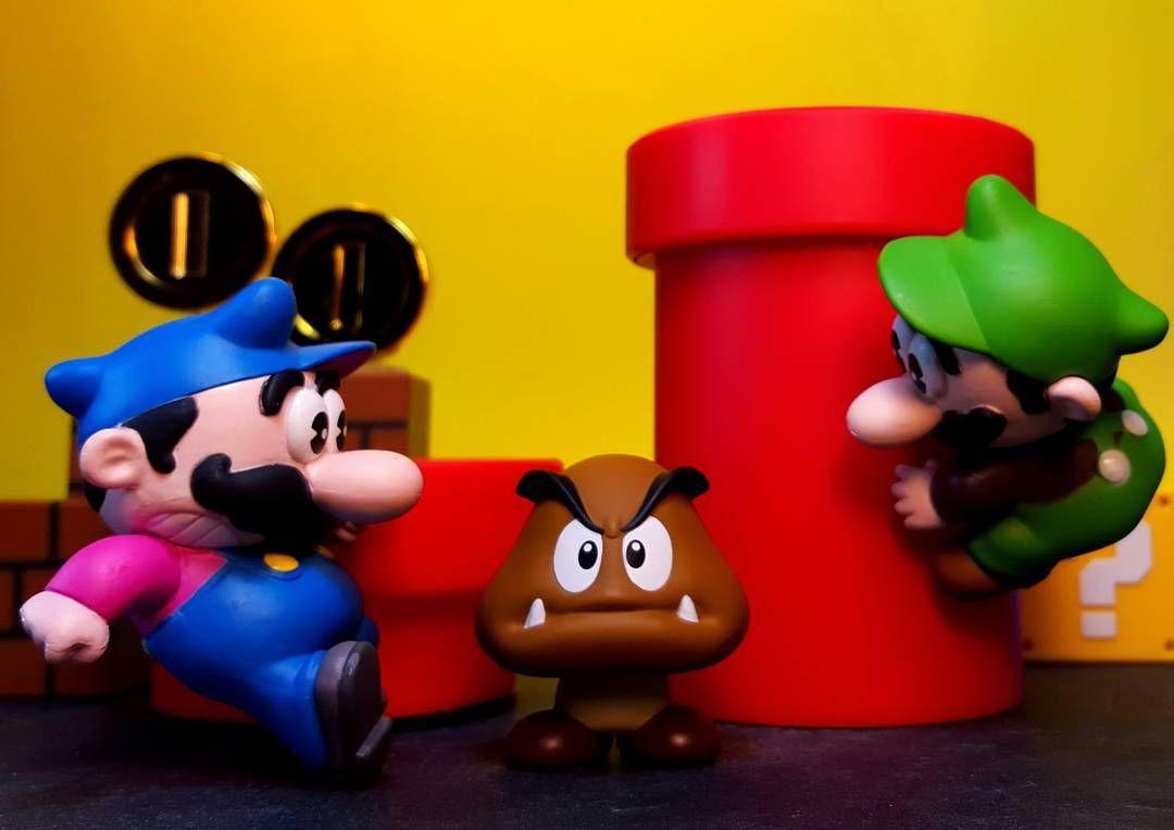 Shared by dayjohnsonacba #nes #microhobbit (o) http://ift.tt/1TXs2tC on the European Mario Bros NES box art  #MarioBros #Mario #Luigi #NES #Nintendo #ACBA #ArticulatedComicBookArt #ToyPhotography