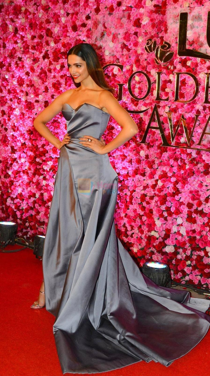 Deepika Padukone   Deepika padukone, Strapless dress ...
