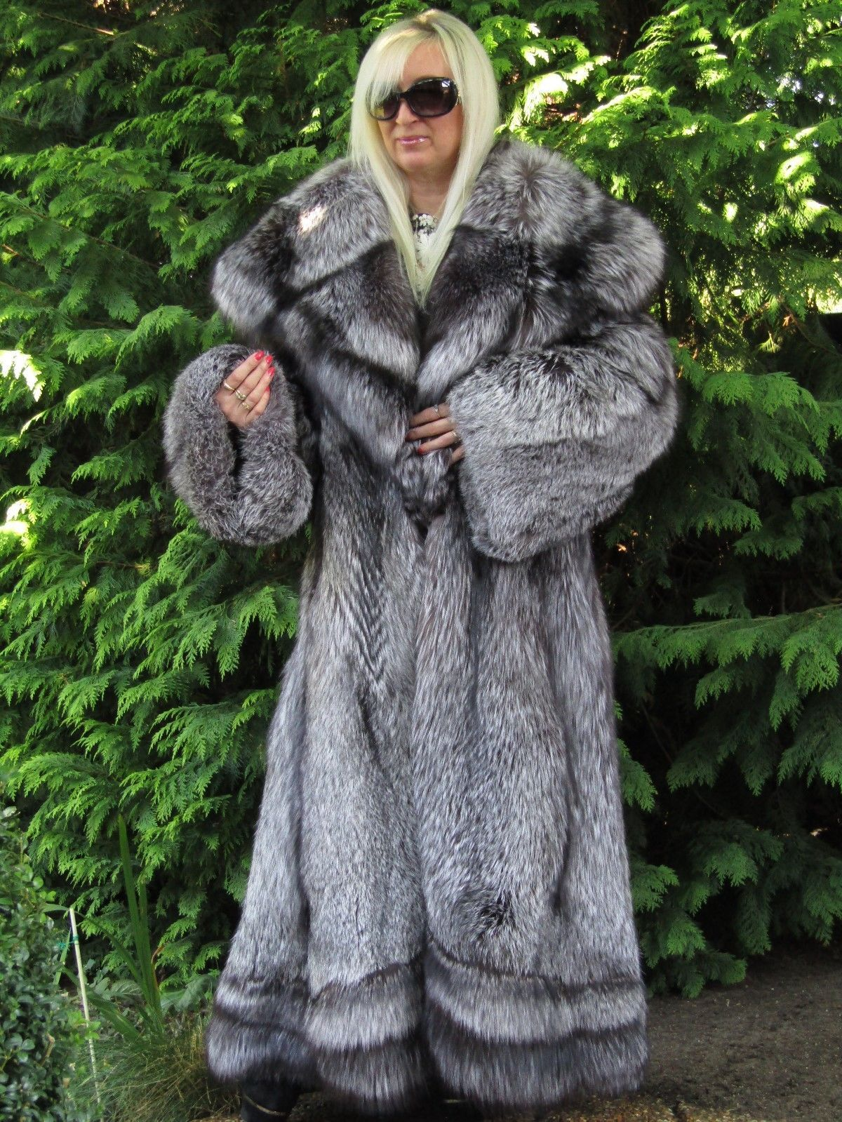 Golden Cream Semi Sheared Mink Fur Jacket with Traditional