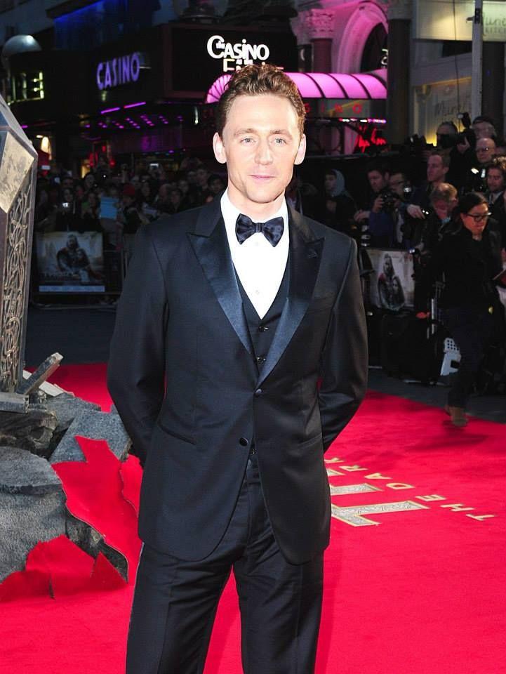 Tom Hiddleston en la Alfombra Roja de la Premier de Thor The Dark World en Londres