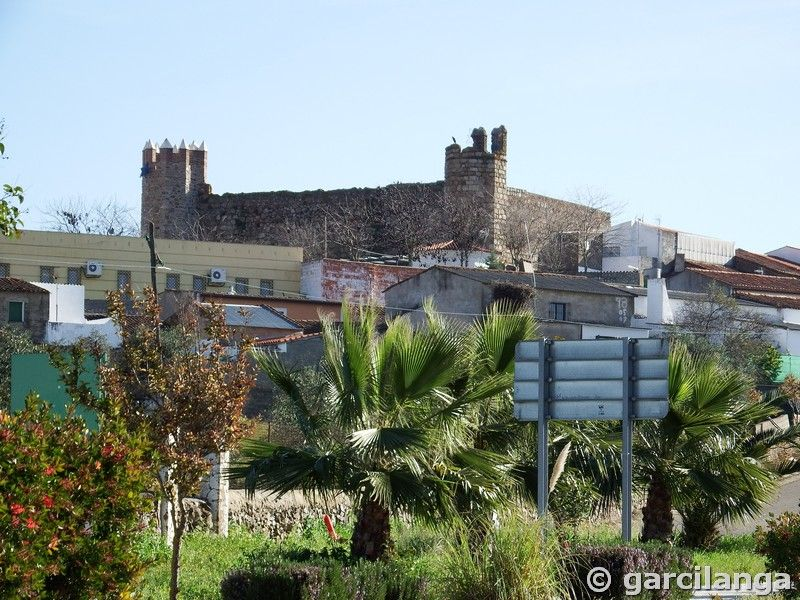Castillo de Higuera de Vargas