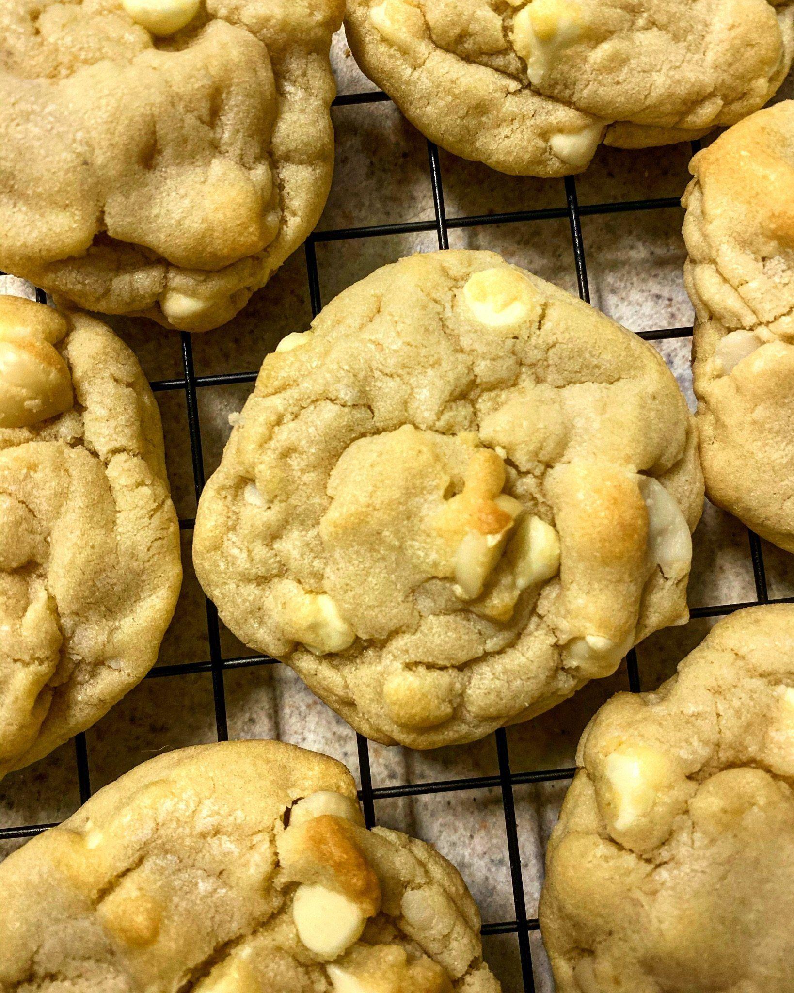 White Chocolate Macadamia Nut Cookies Subway Copycat Recipe White Chocolate Macadamia White Chocolate Macadamia Nut Cookies Macadamia Nut Cookies