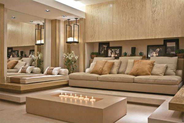 Ein Couchtisch aus Holz fügt Wärme und Natürlichkeit im Wohnzimmer ...