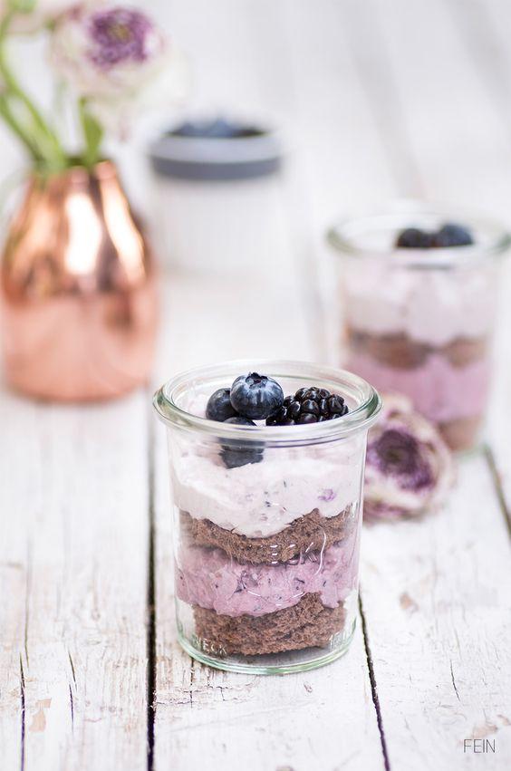 Brombeer-Blaubeer-Torte im Ombre-Look #weckgläserdekorieren
