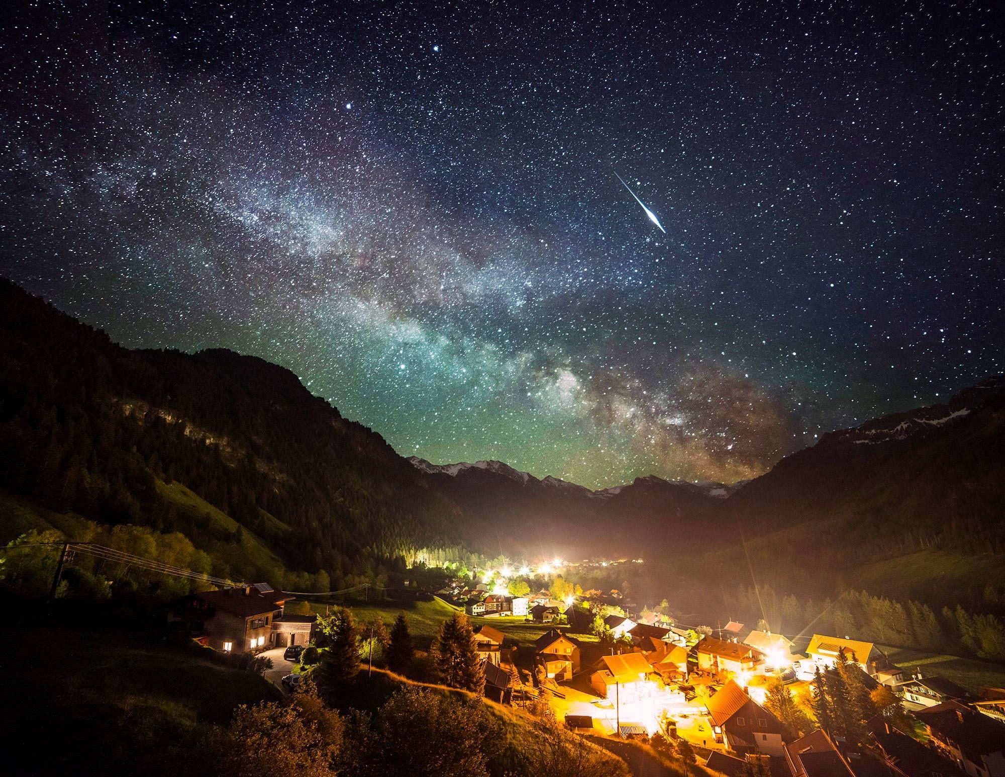 Observation du ciel et ovni 217839df070736b9cd1b7d8b00bceb9f