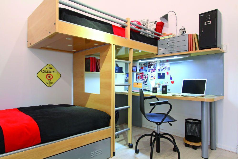 Cama de dos pisos con escritorio google search babyboy for Habitaciones juveniles funcionales