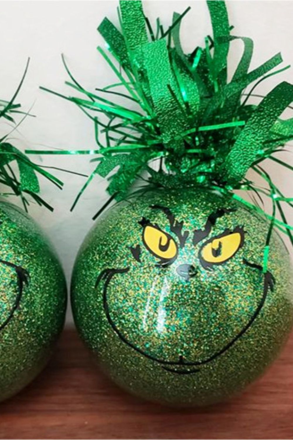 2020 Grinch Christmas Easy DIY Grinch Decorations, Ornaments & Crafts for Christmas 2020
