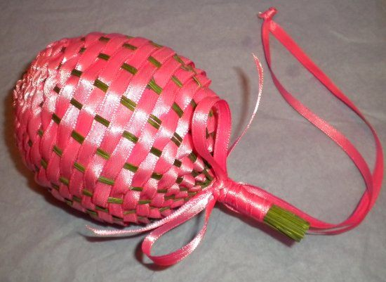 tuto boule lavande pomander ball using pink ribbon. Black Bedroom Furniture Sets. Home Design Ideas