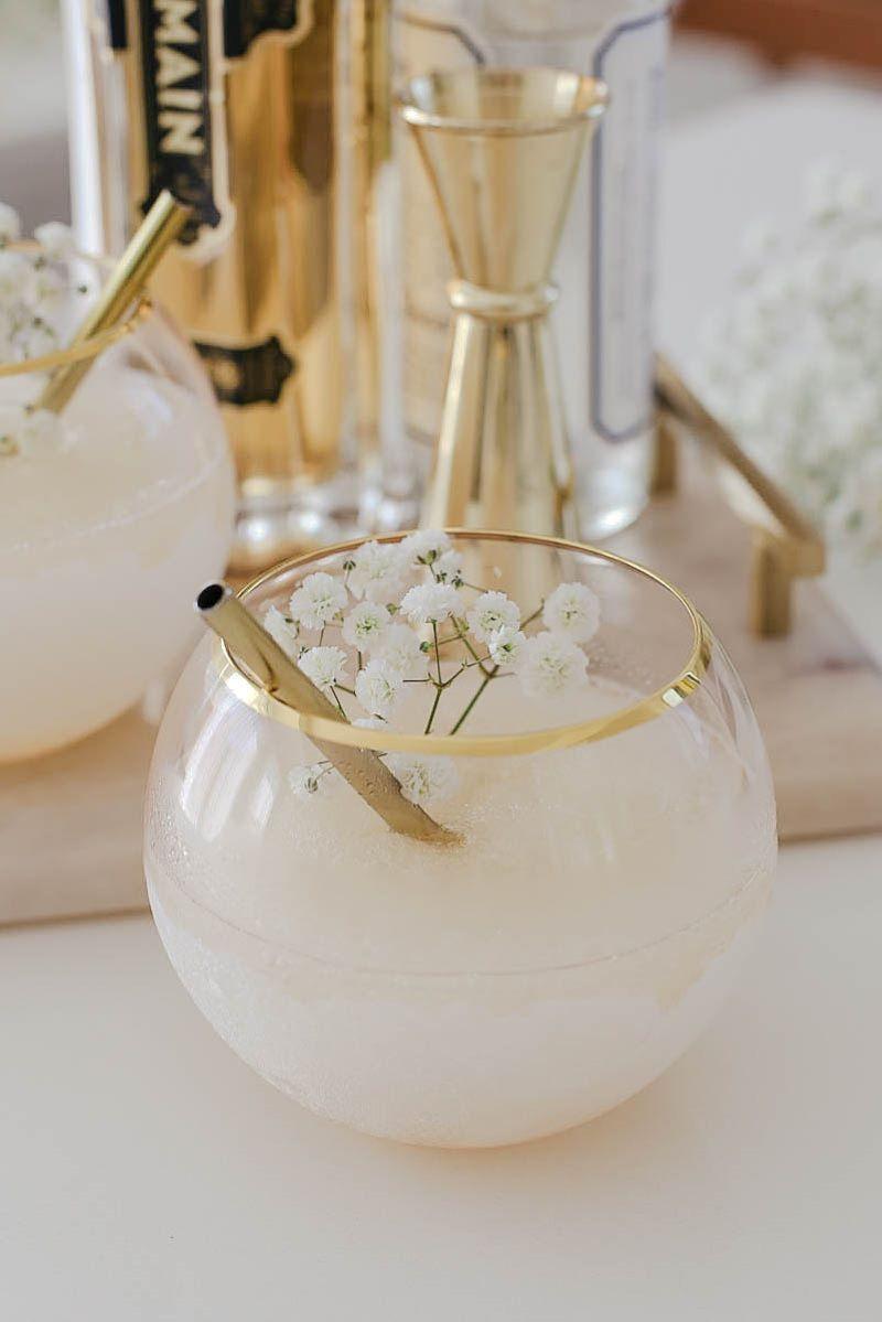 Cool Off And Kick Back With A White Wine Slushie This Summer Wein Slushies Joghurt Selbst Herstellen Lustige Getränke