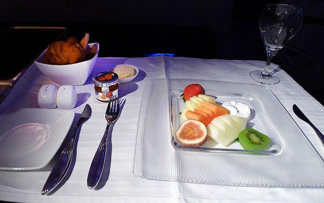 Qatar Airways Fruit Plate With Yoghurt 2 Qatar Airways Fruit Plate Fruit