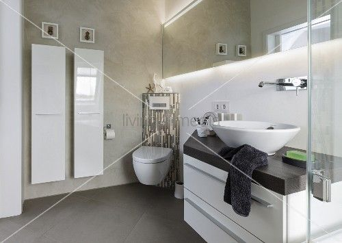 Designer Bäder waschtisch mit aufsatzbecken eck toilette und designer heizkörper