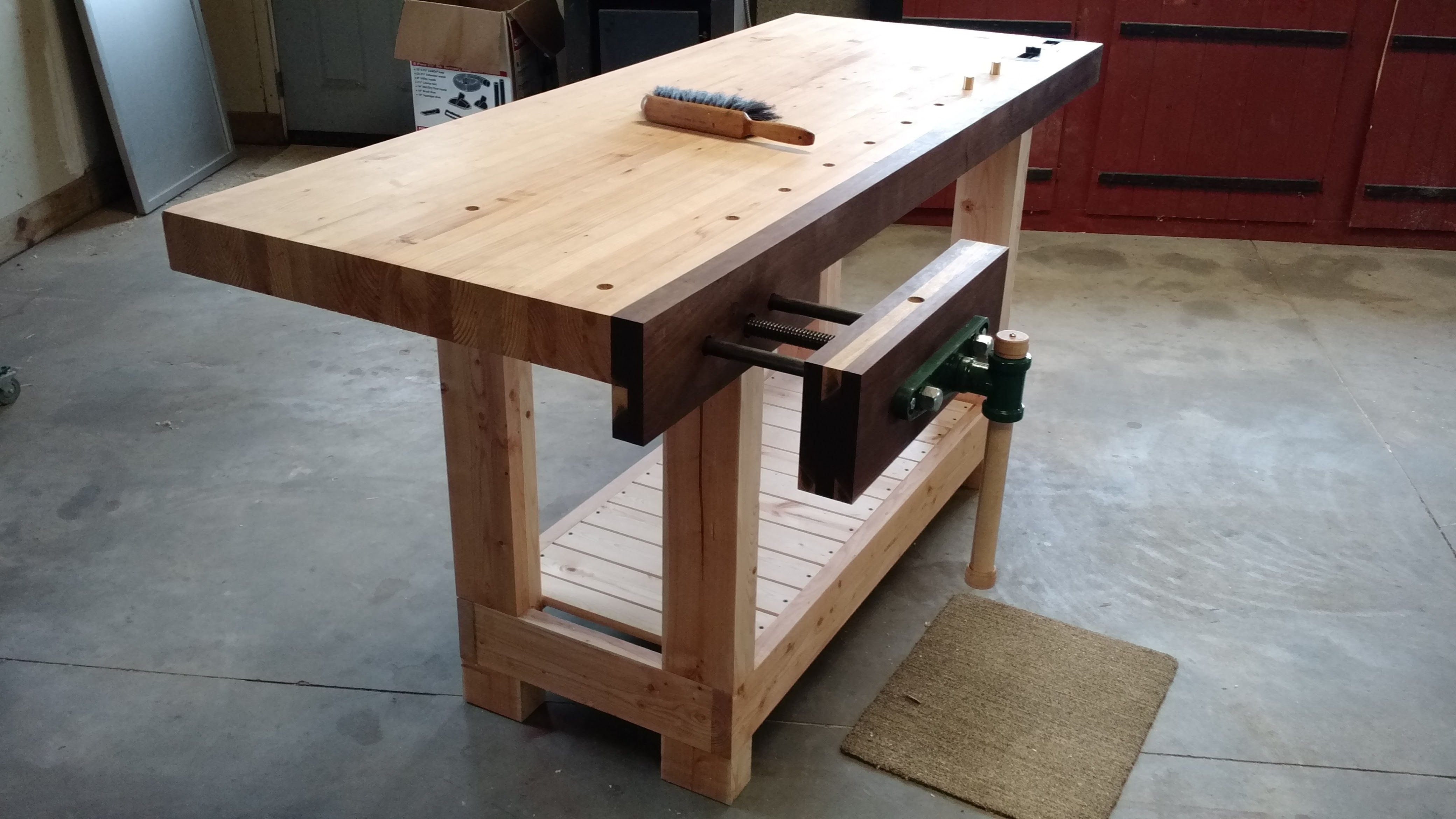 Simple Workbench Front Vise Sliding End Vise Dog Holes With