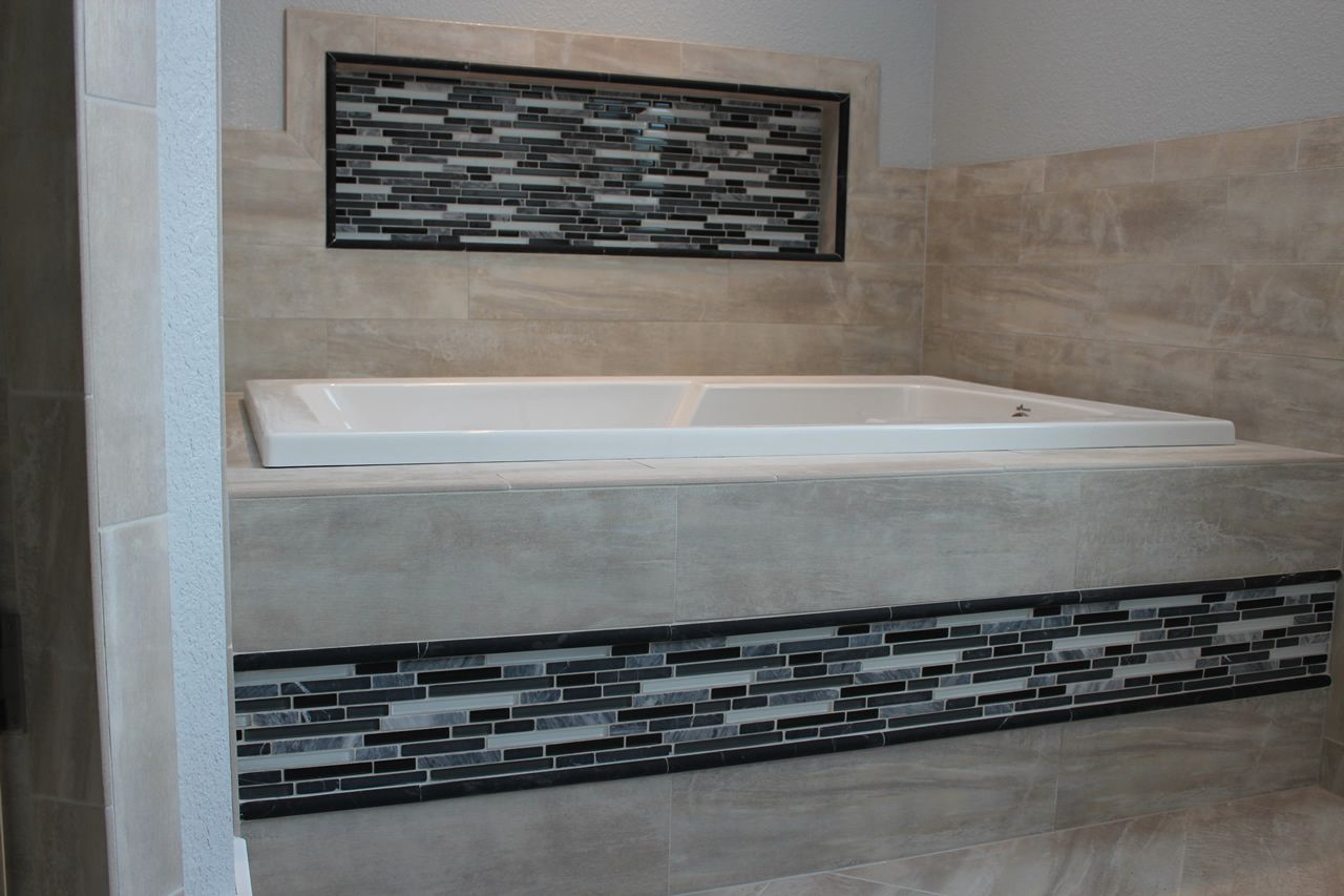 accent tile tub surround - Google Search | tile | Pinterest | Tubs ...