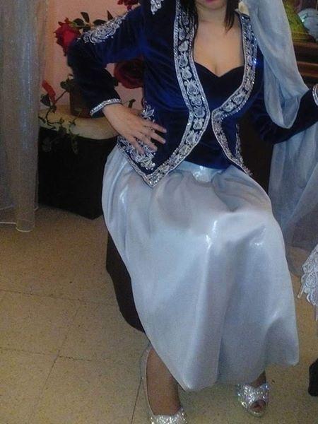 Karakou Algerois Algeriantraditionaldresses Algerie الجزائر Algeria Traditional Outfits Most Beautiful Dresses Pretty Dresses