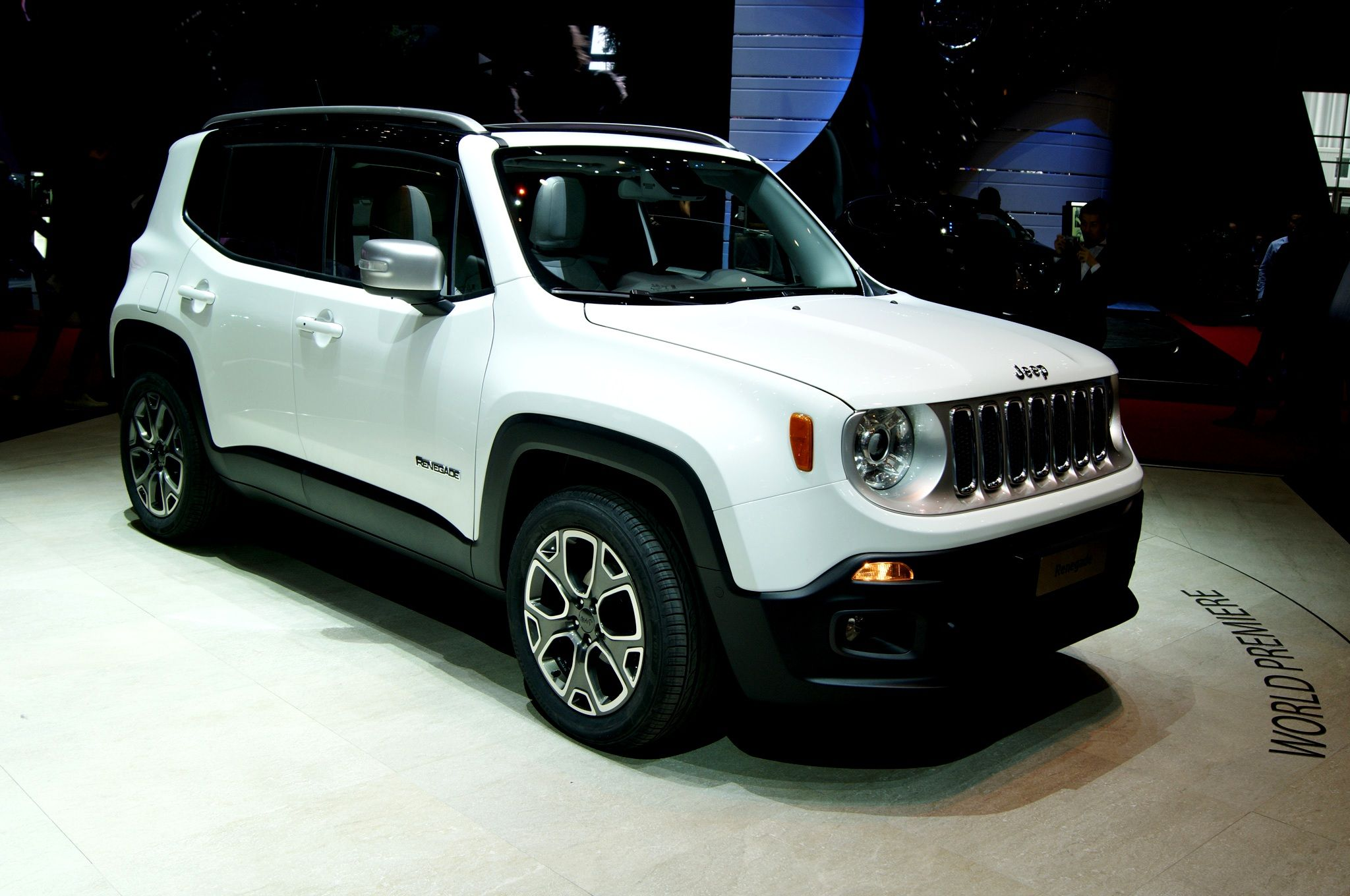2016 Jeep Renegade Reviews Pricing And Photos Mobil Mobil Baru