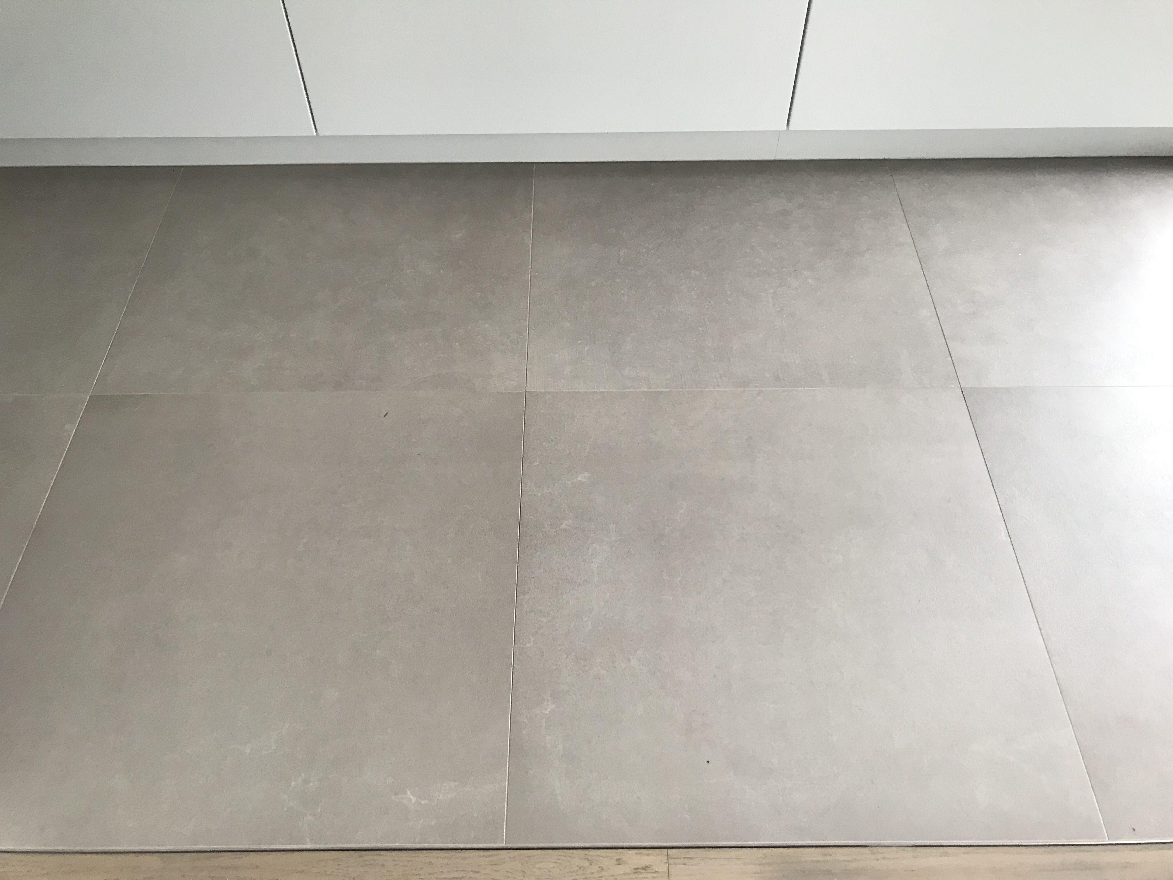 Floorgres Industrial Taupe 80x80 Betonlook Vloertegels With