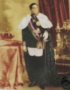 """Rei Dom Manuel II, O Rei traído!  O último Rei de Portugal! Foi expatriado para Inglaterra, juntamente com a Sua Família, no """"famigerado"""" dia 5 de Outubro de 1910. (Clique na foto para ver o vídeo """"Dom Manuel II, O Exílio"""")"""