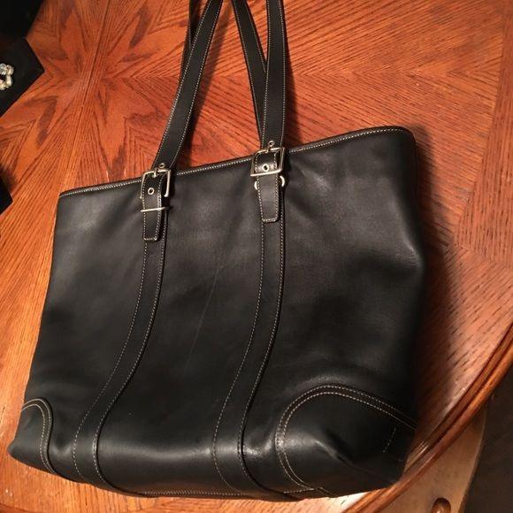 36112b48e8 Beautiful large Coach leather tote 17