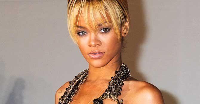 """Rhianna defiende duetos con Chris Brown: La gente se quedó perpleja por la colaboración musical entre Rihanna y Chris Brown, pero la cantante dice que """"tuvo sentido"""" y fue """"inocente"""".    Brown aparece en un remix de su canción """"Birthday Cake"""" y ella en un remix de """"Turn up the Music"""", del rapero."""