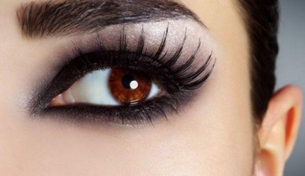 Tips For Younger Looking Eyes#MakeupTips  #EyesLookBigger #Eyesmakeuptips #MakeupTricks