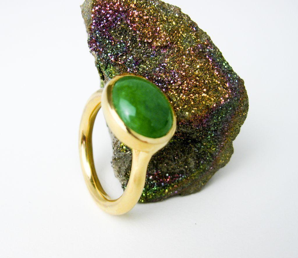 "22K Gold Ring w. 4ct. Jadeite Cabochon, 2005 Tampico San Francisco.""Air Mount""© Setting."