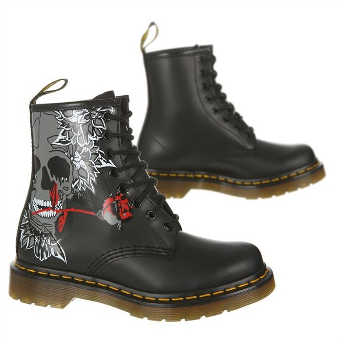 dr martens chaussure rose skull femme doc martens dr martens and footwear. Black Bedroom Furniture Sets. Home Design Ideas