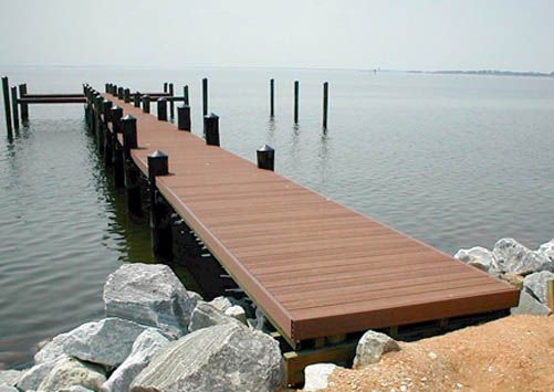 Pier Made Of Composite Decking Very Beautiful And Very Low Maintenance Composite Decking Outdoor Decor Deck