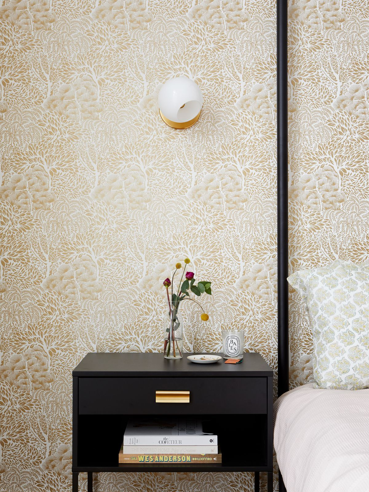 How To Remove Wallpaper Yourself Removable Wallpaper Plates On Wall Wallpaper Removal Solution