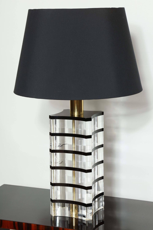 Elegant Mid Century Italian Table Lamp 1stdibs Com Table Lamp Lamp Vintage Table Lamp