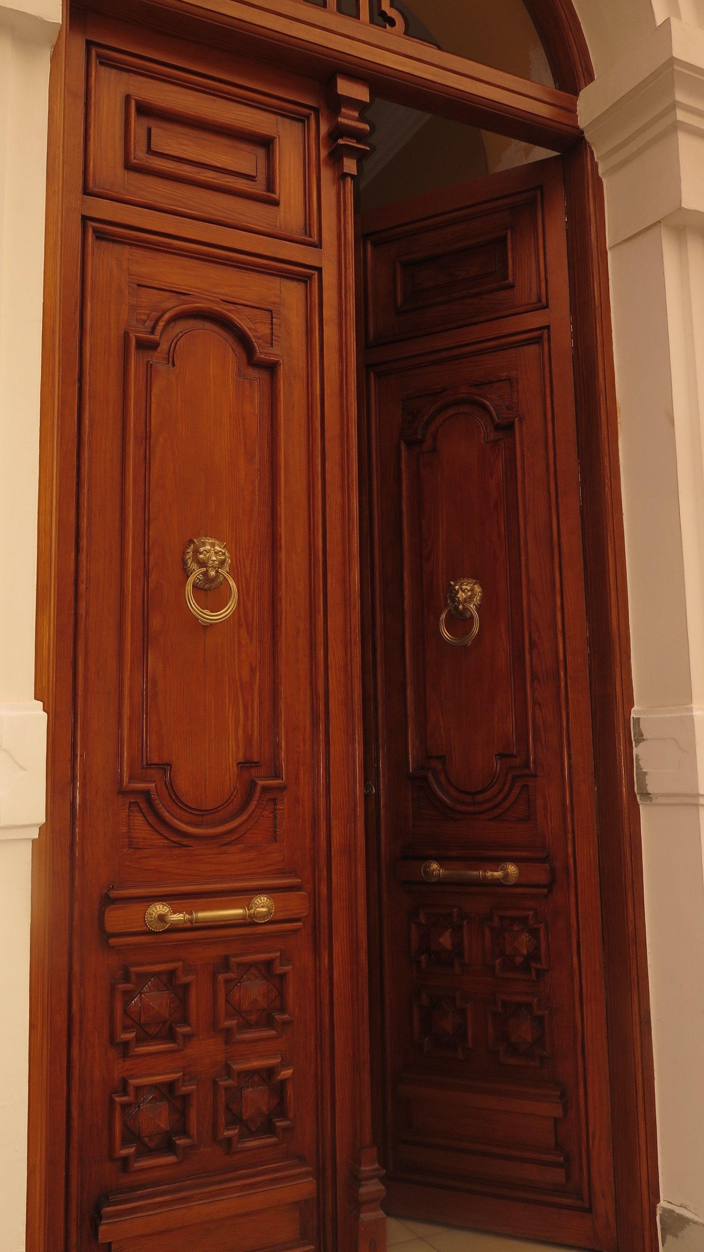 Puerta de 2 hojas del consistorio de Tomelloso (entrada calle Campo)
