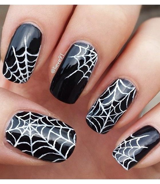 Spider Halloween Nail Design Halloween nail designs, Spider and Makeup - halloween design