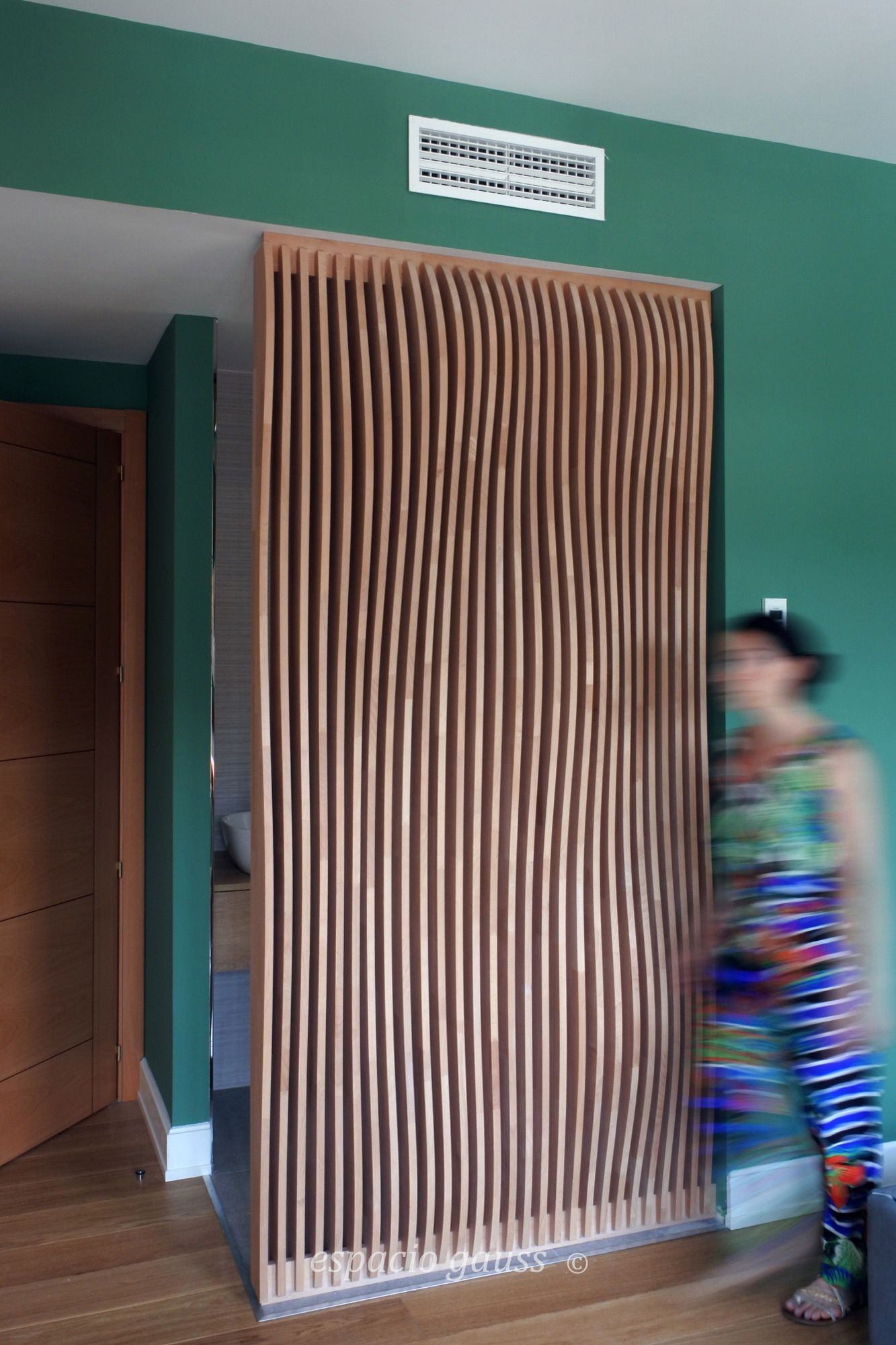 Parametric divider, by Estela San Millán. Manufactured by Espacio Gauss. Great collaboration with a former student