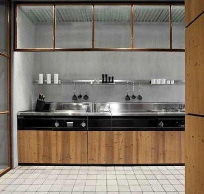 Kiefer Holz Einrichtung im Küchen Bereich Natural Skin