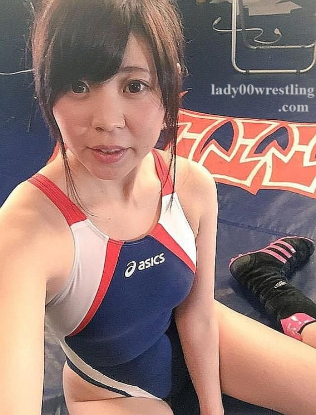 Teen girls in swimsuit wrestling images 980