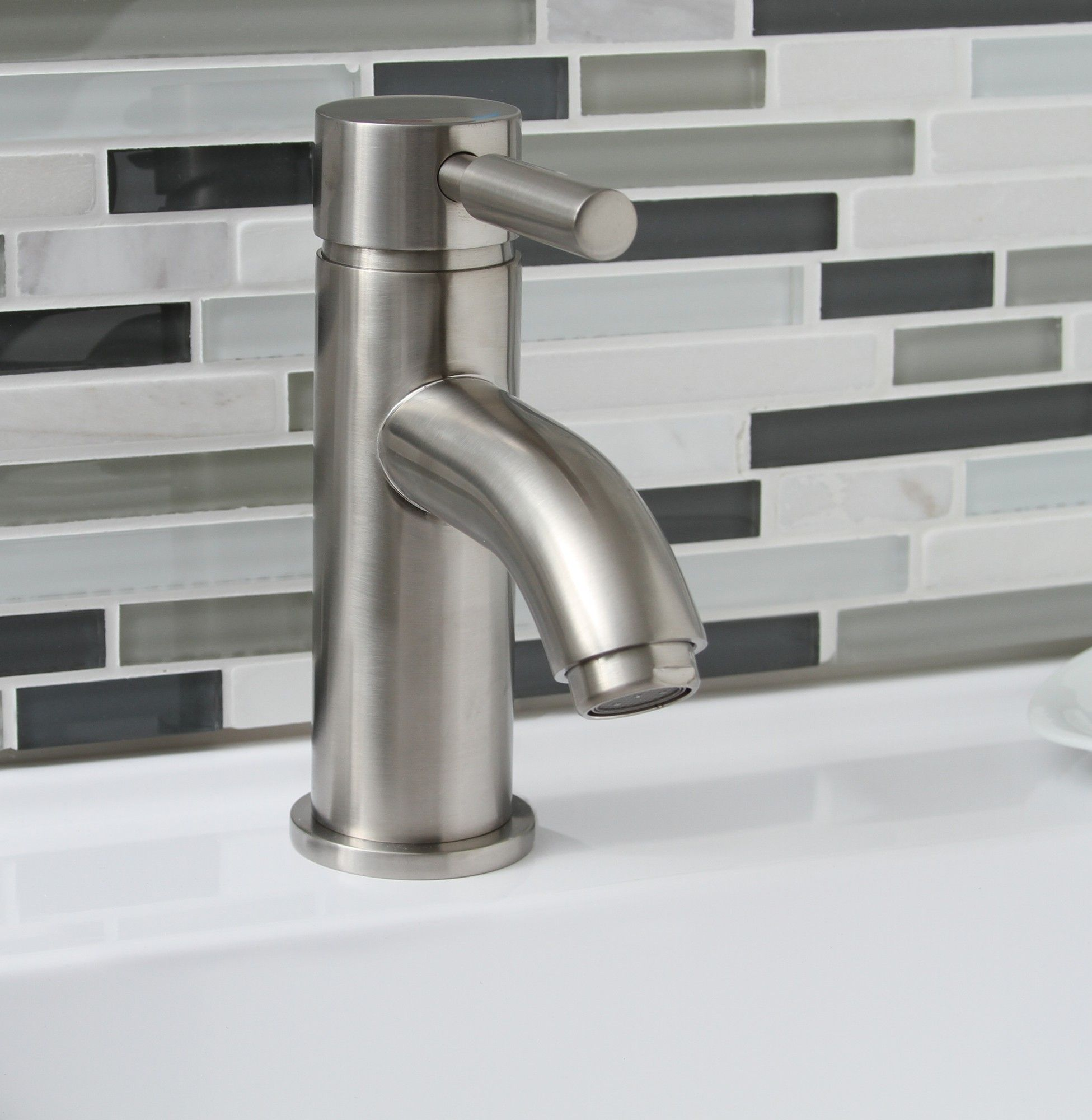 Premier Faucet Essen Single Handle Bathroom Faucet & Reviews ...