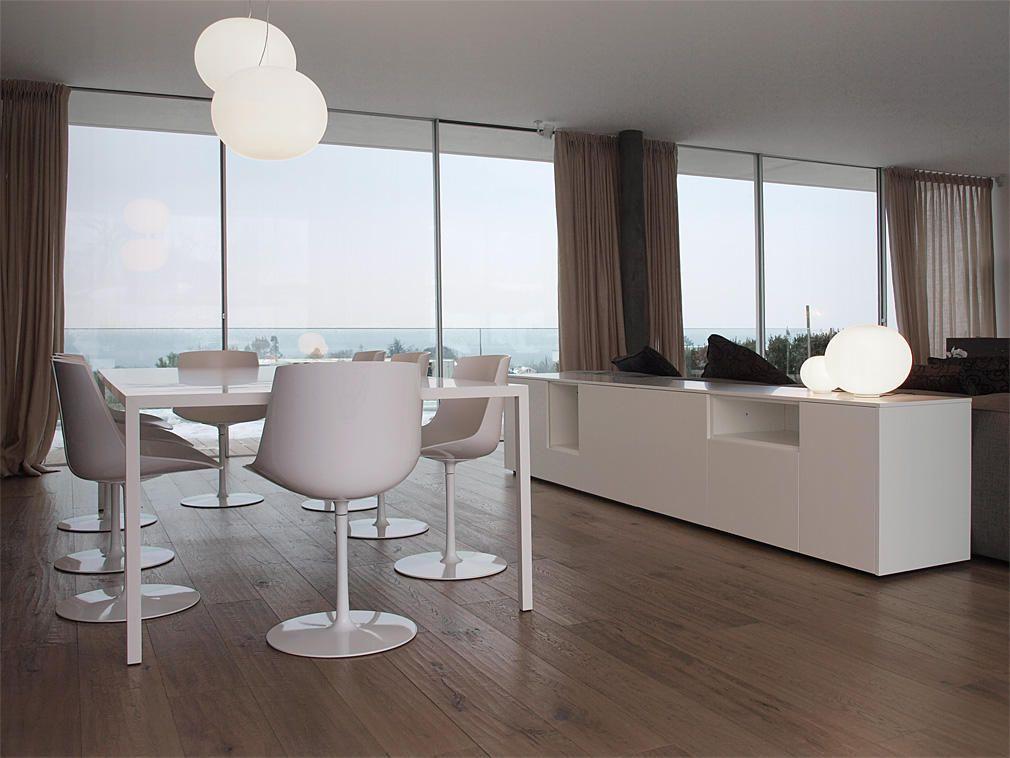 Progetto di arredamento per il soggiorno con divano mobili