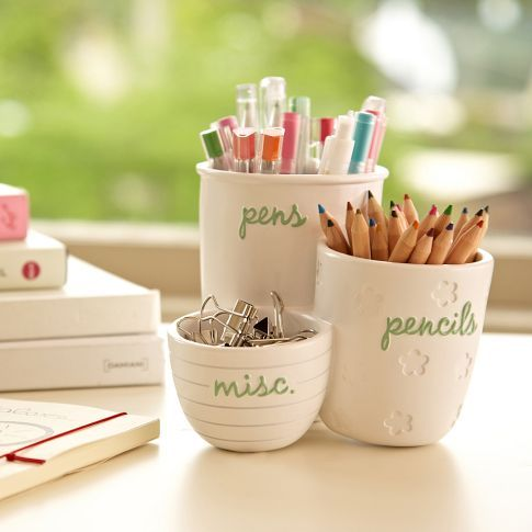 Love these organizing cups.