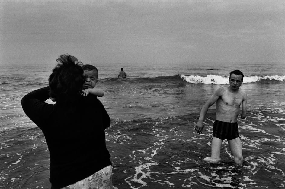 Josef Koudelka, S. Bartolomeu Do Mar, Portugal, 1976. © Josef Koudelka/Magnum Photos