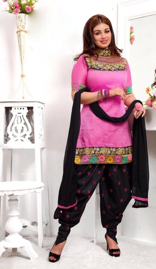 Easy Hairstyle For Salwar Suit : Patiala salwar kameez will help you grab attention easily