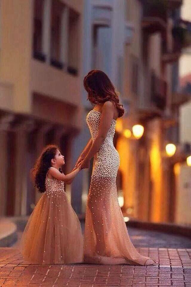 بنت وامها Mother Daughter Dress Mother Daughter Outfits Mommy Daughter Outfits