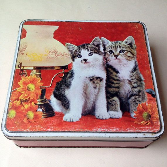 Vintage tin, Cadbury's Cat Candy Biscuit tin from England
