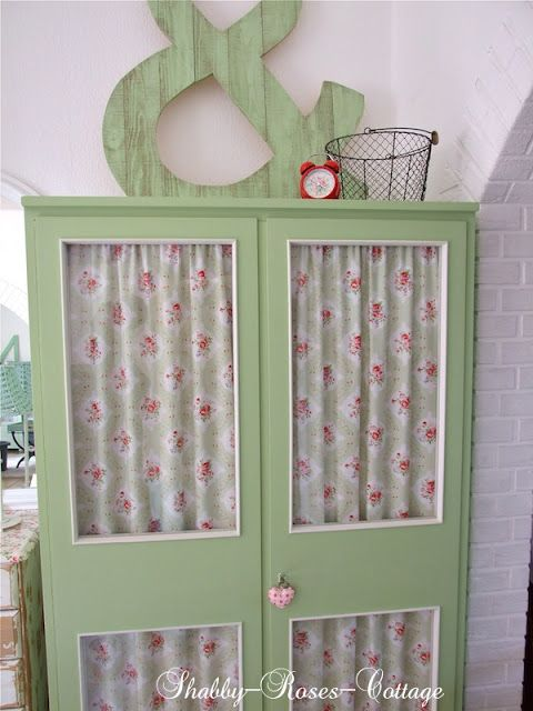 Shabby-Roses-Cottage:  trash to treasure ... & Character in wood pallets and a closet ...