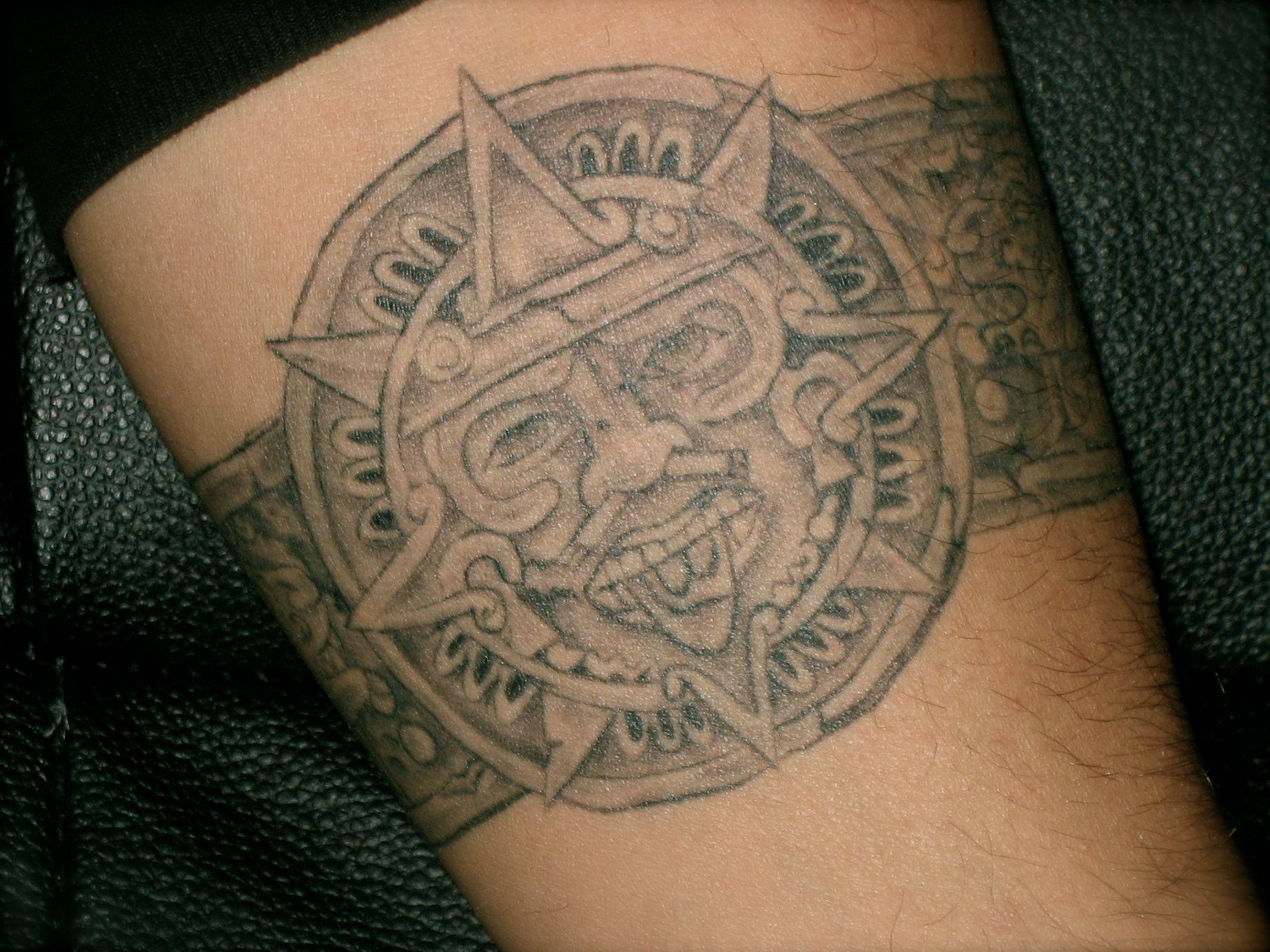 530fe3d4bf18b The Aztec Calendar Sun Stone And Ollin Tonatiuh Free Download Tattoo ...