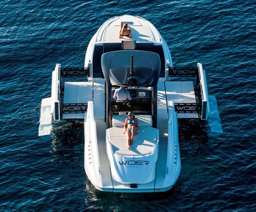 An expanding yacht. learn more and tons of pics at http