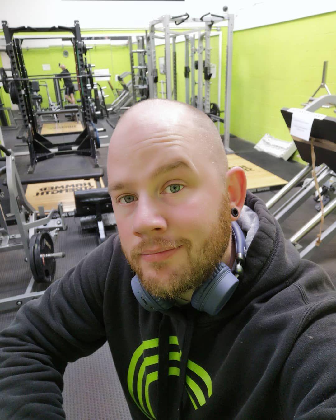 Leg day.....I'm not as happy as I look really 🥴🥴🥴😂 #myfitnessjourney #macros #fitness #healthy #heal...