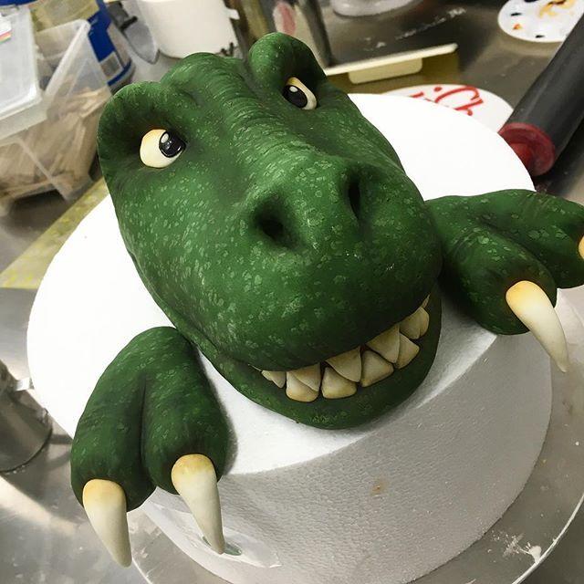 Pin By Brad Carlsson On Dinosaur Cake In 2019 Dino Cake