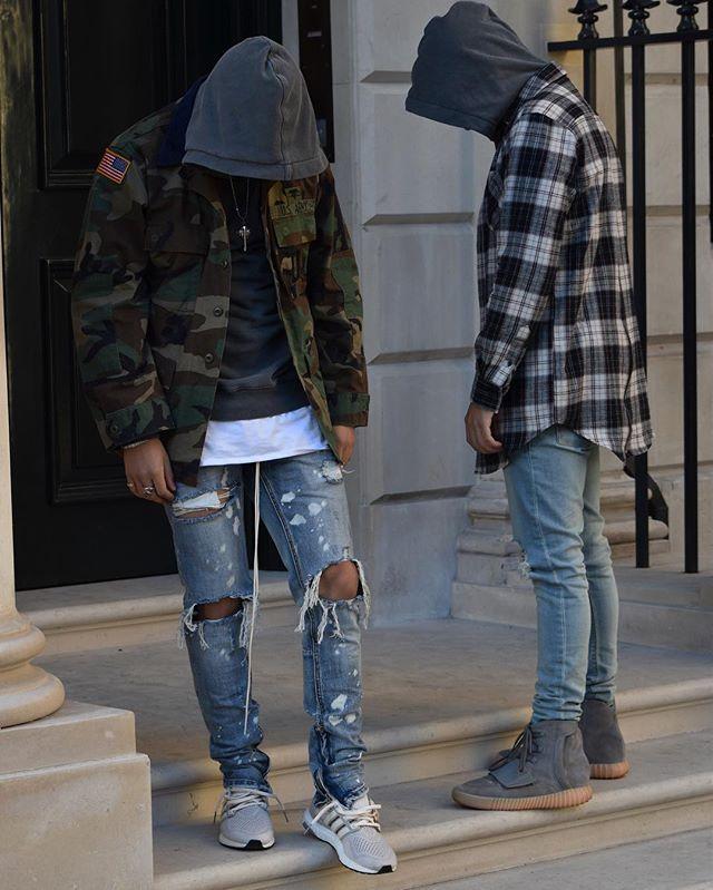 The fits ______________________________________ Aadesh Hoodie - @hm Flannel - @forever21men Denim - @asos_menswear Kicks - @yeezytalkwordlwide ______________________________________ Me Camo - @beyondretro Hoodie -@hm Layer T - @nouvellevou Denim - @mnml.la Kicks - @boostvibes