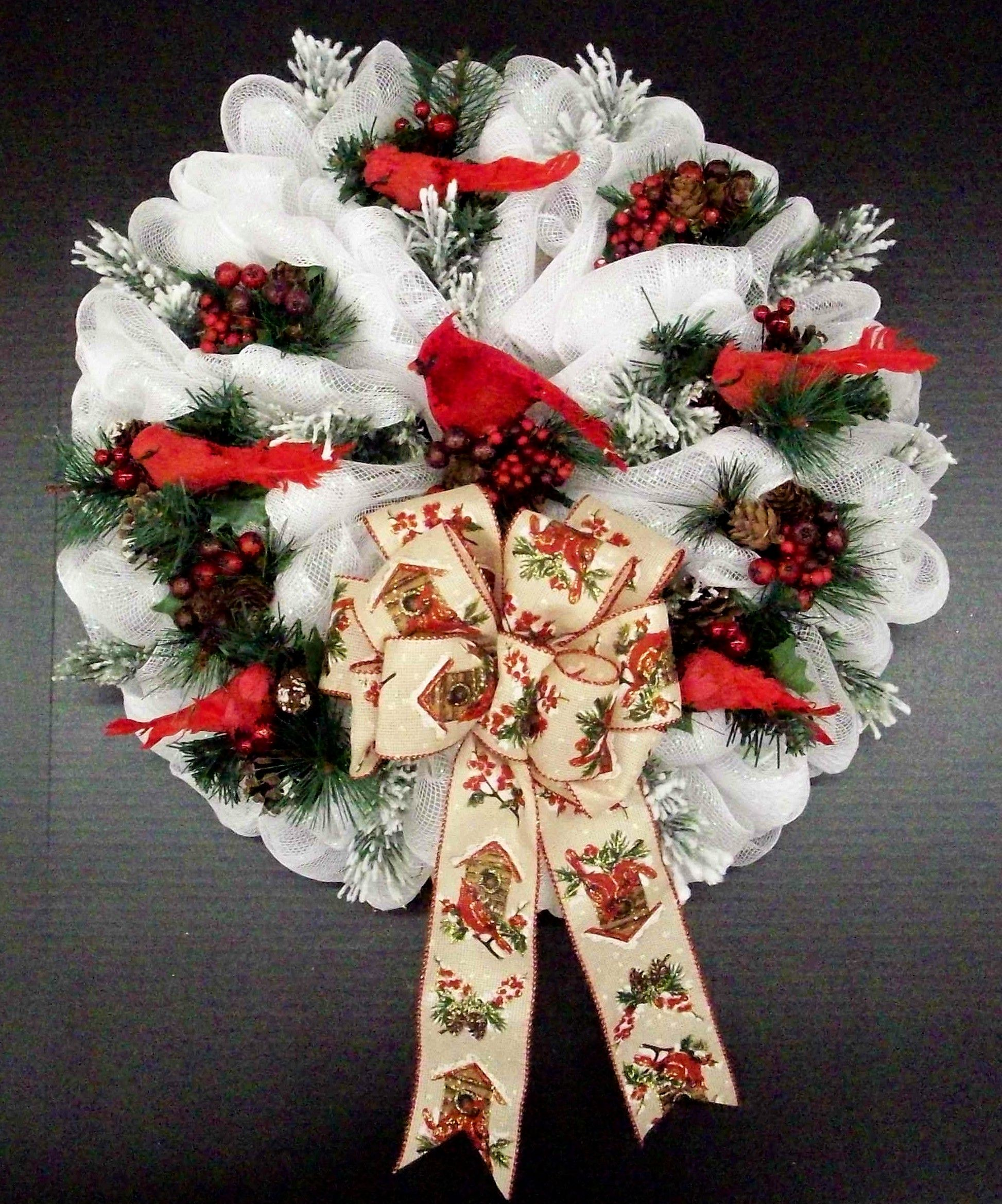 Cardinal Deco Mesh Wreath Designed By Karen B A C Moore Erie Pa Christmas Wreath De Deco Mesh Christmas Wreaths Christmas Mesh Wreaths Christmas Wreaths