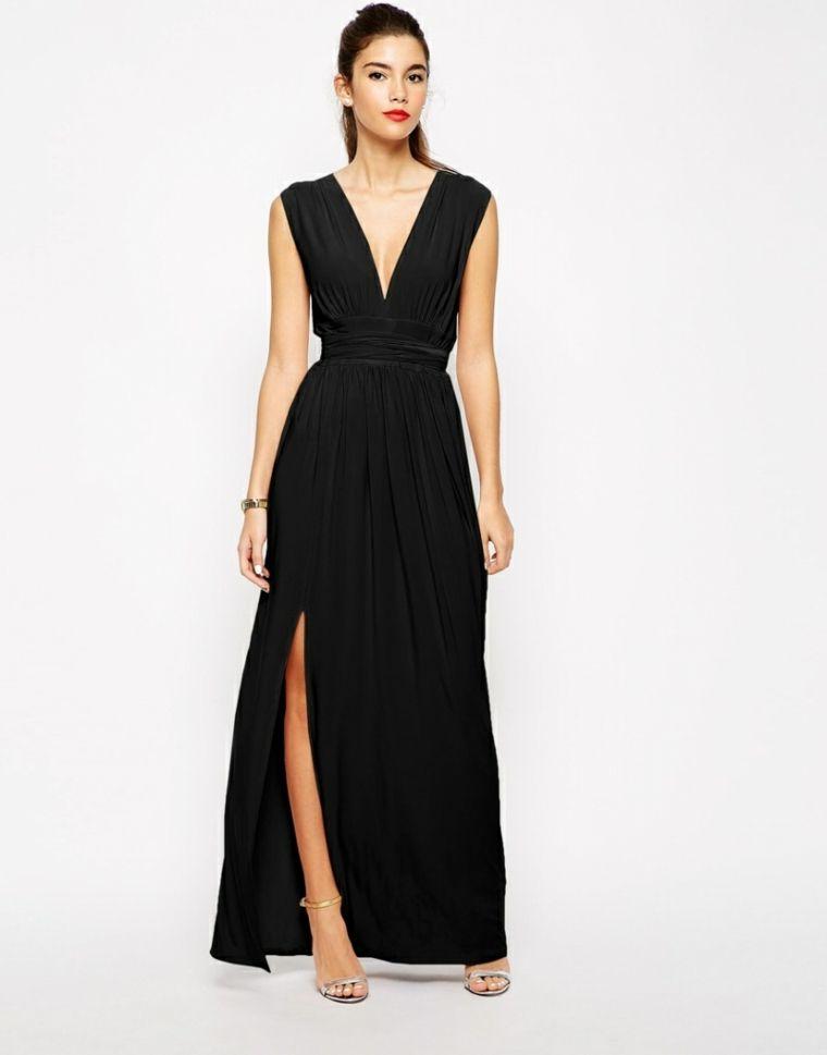Donna con un vestito da cerimonia di sera b7de2396bb5